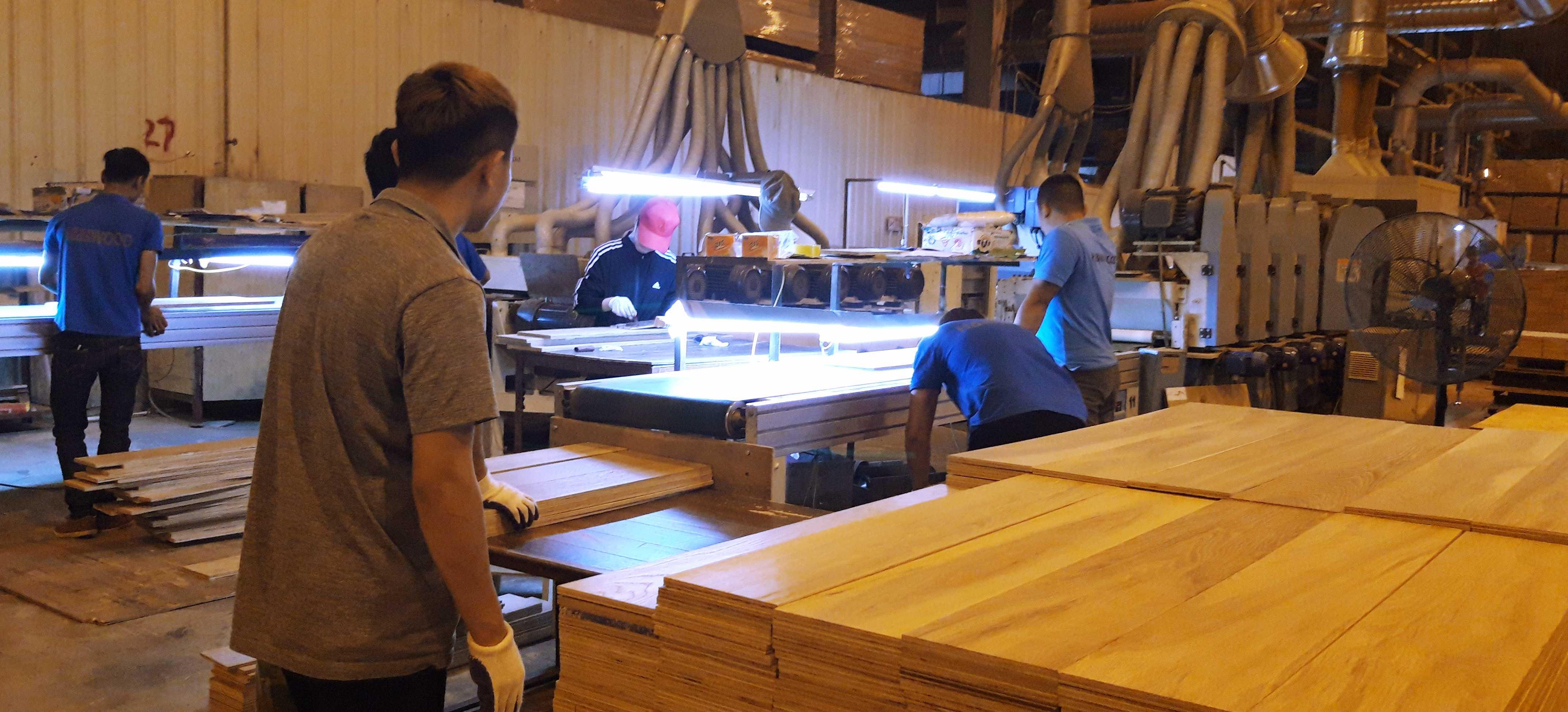 Cở sở sản xuất sàn gỗ HỒNG LAM