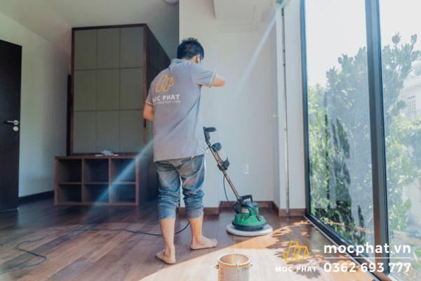 Lau dầu osmo sau thi công sàn gỗ