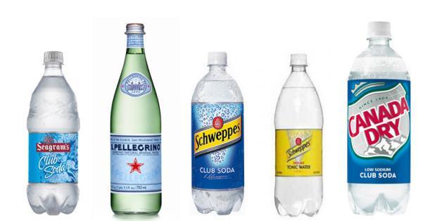 Club soda là một giải pháp tẩy vết bẩn sàn nhà đáng tin cậy