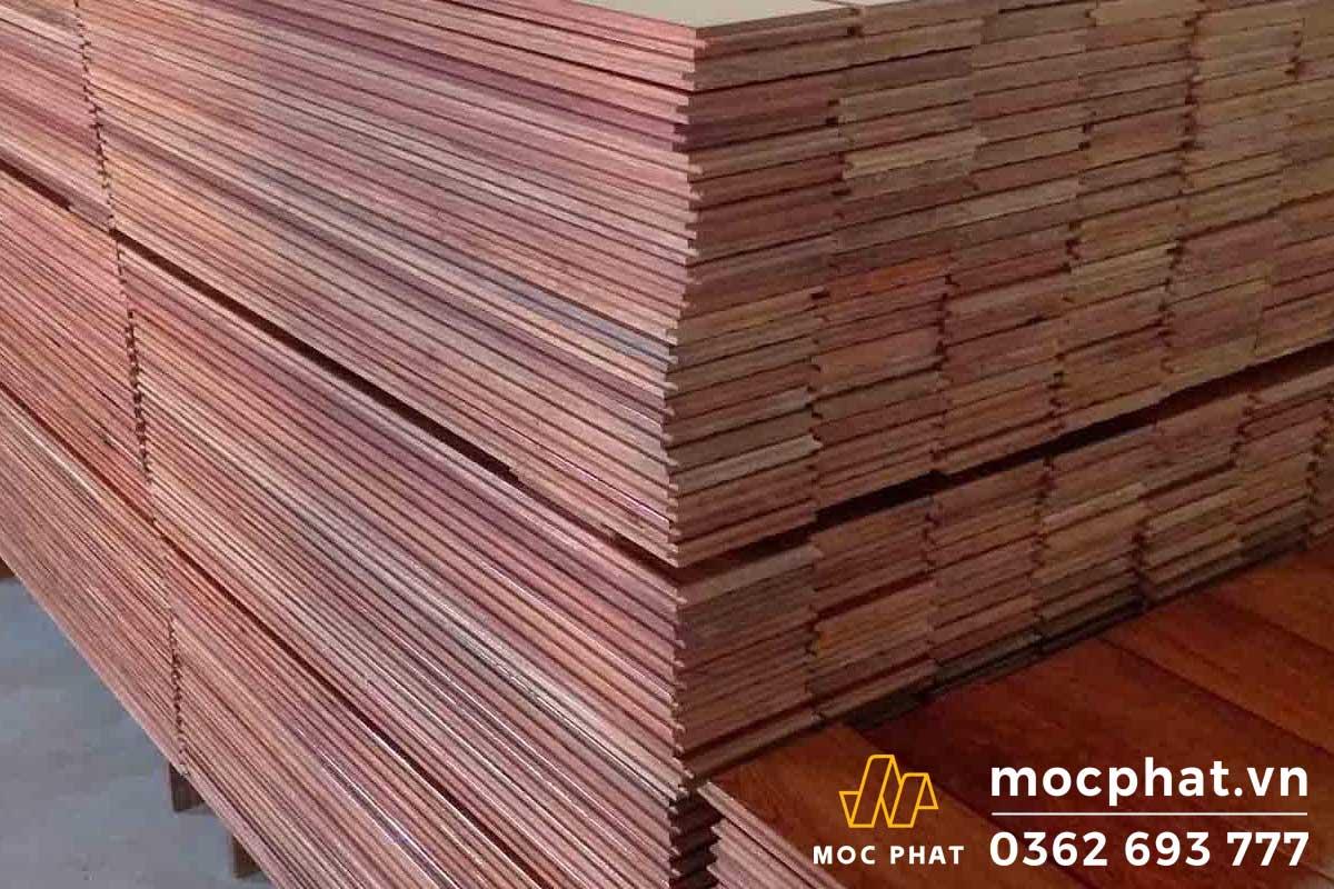 Sàn gỗ có nguồn gốc từ các khu rừng nhiệt đới theo mùa ở Đông Nam Á