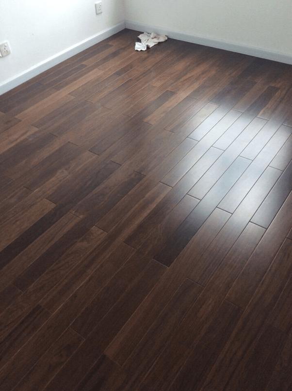 Hình ảnh sàn gỗ chiu liu