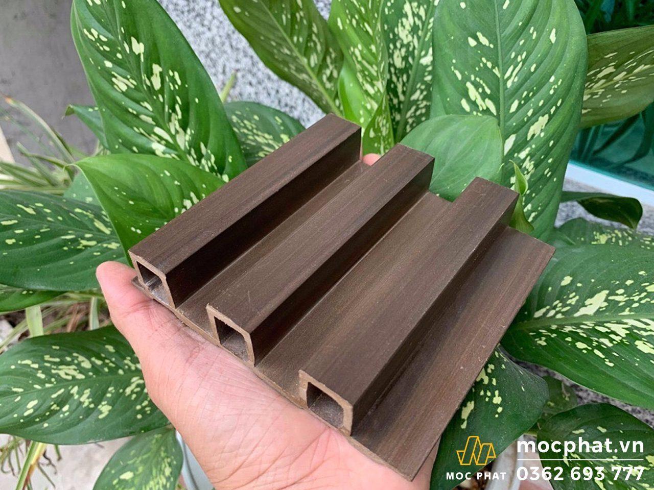 lam nhựa giả gỗ ốp tường