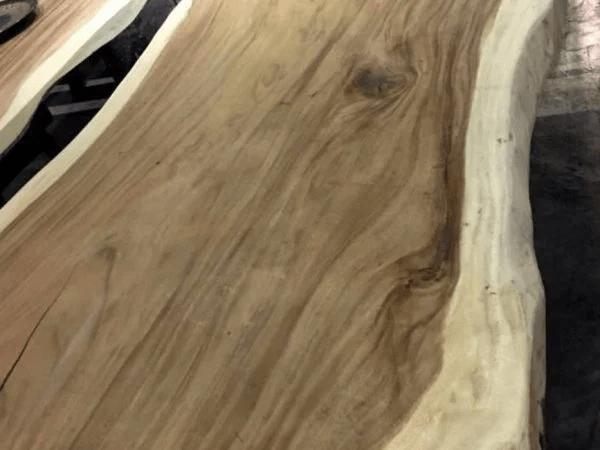 Đường vân gỗ chiu liu