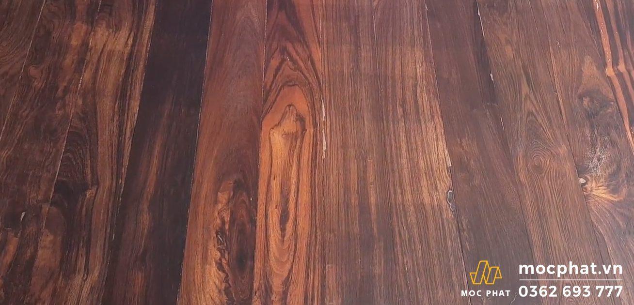 màu gỗ chiu liu