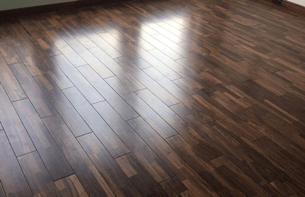 Màu sắc gỗ chiu liu