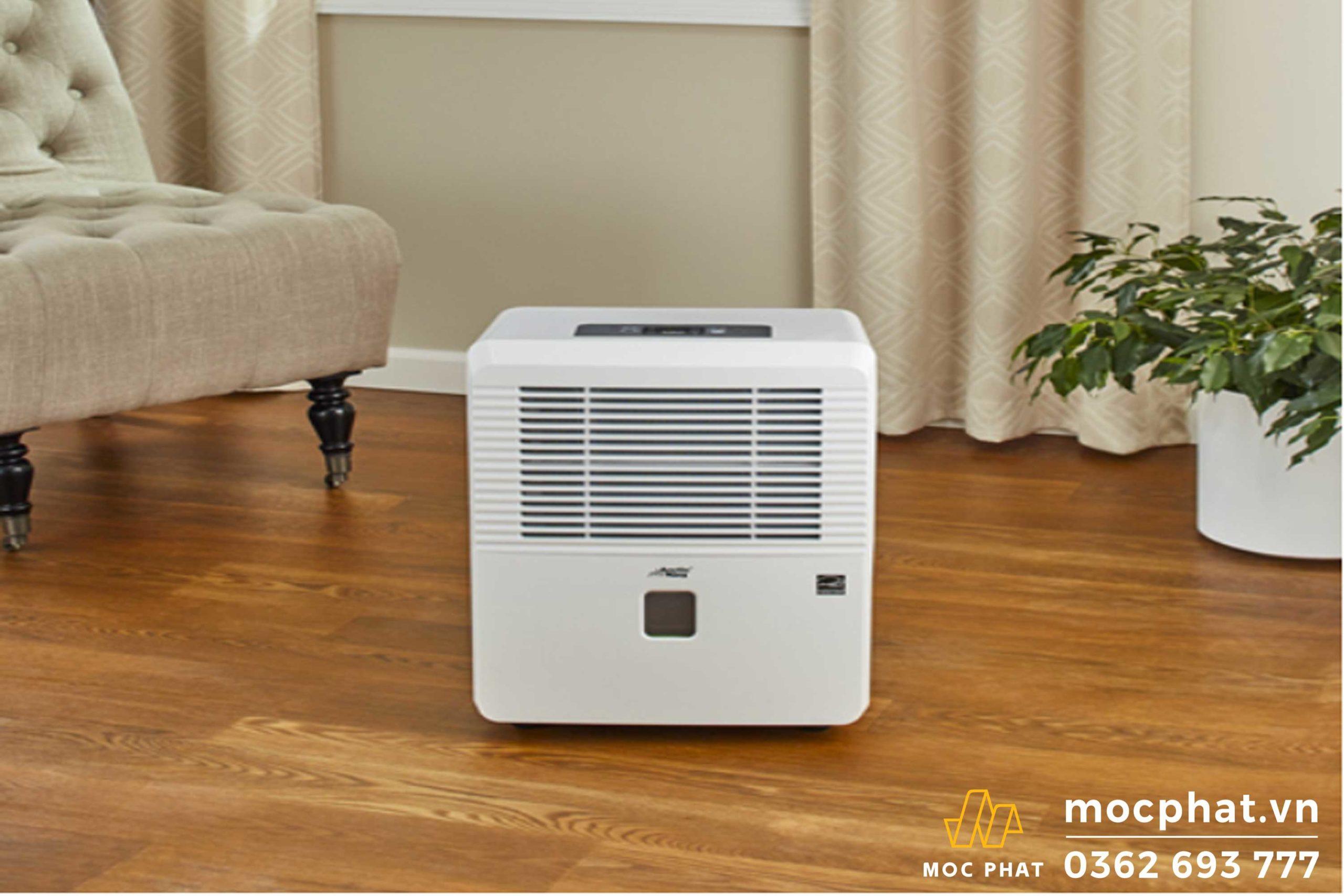 Sử dụng máy hút ẩm để giảm độ ẩm không khí trong phòng - Cách làm nền nhà không bị nồm