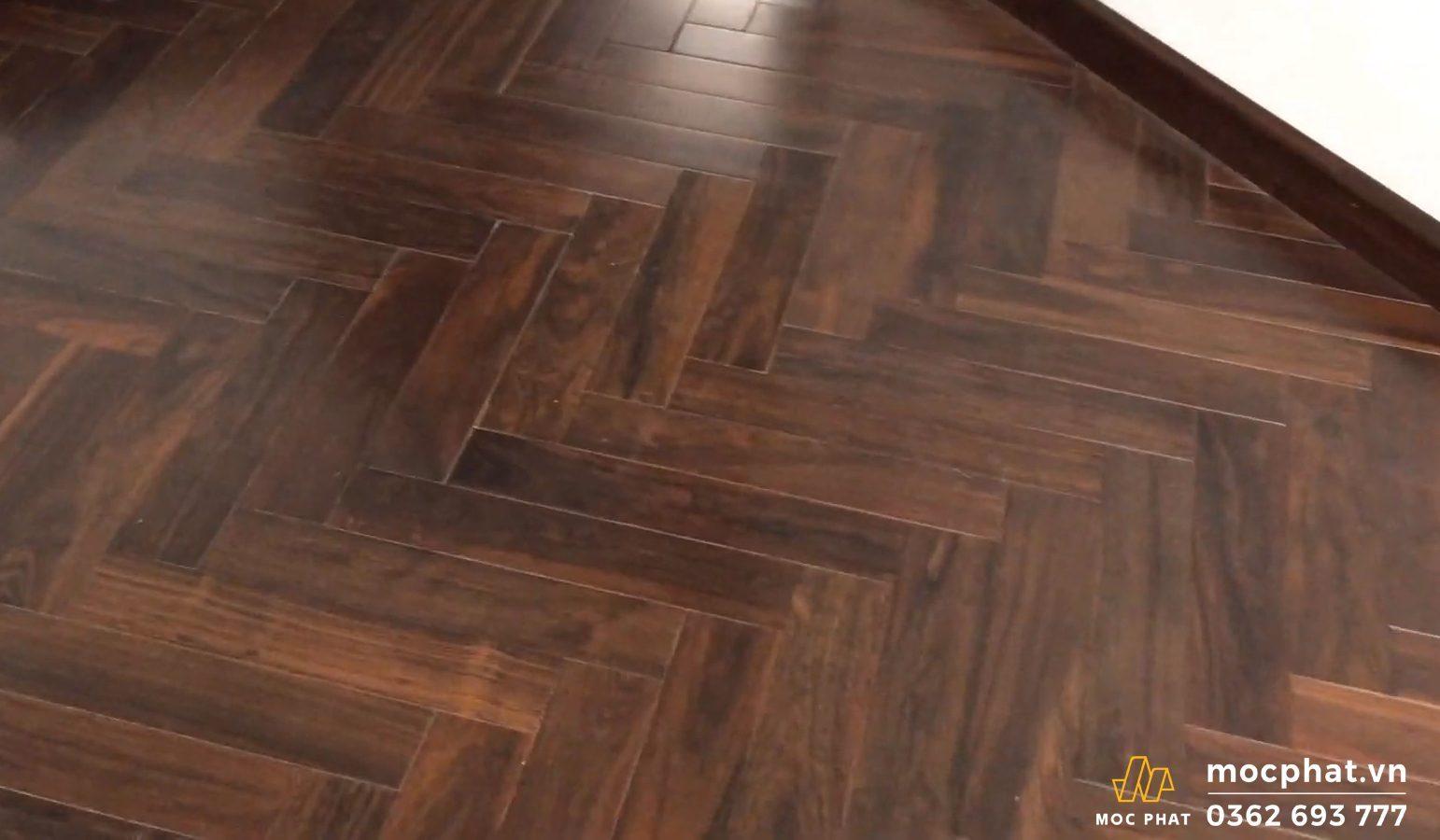 sàn gỗ chiu liu phòng ngủ