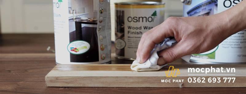 Dễ dàng thi công dầu lau Osmo bằng khăn lau