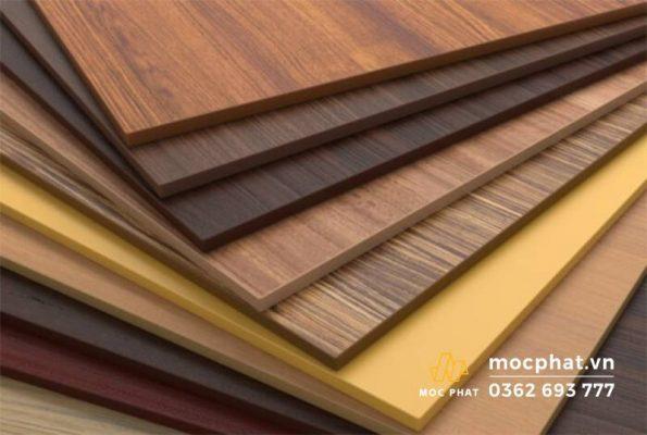 Dòng gỗ nhựa PVC được tạo vân bằng in màu