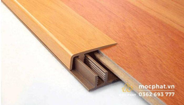 Nẹp sàn gỗ là phụ kiện không thể thiếu trong dụng cụ thi công sàn gỗ.