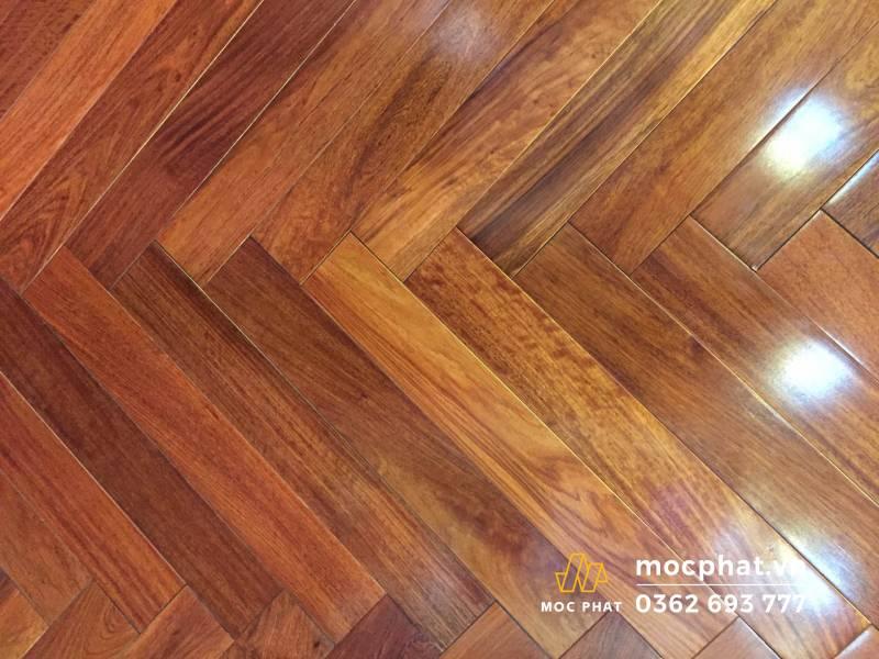 Sàn làm từ gỗ tự nhiên