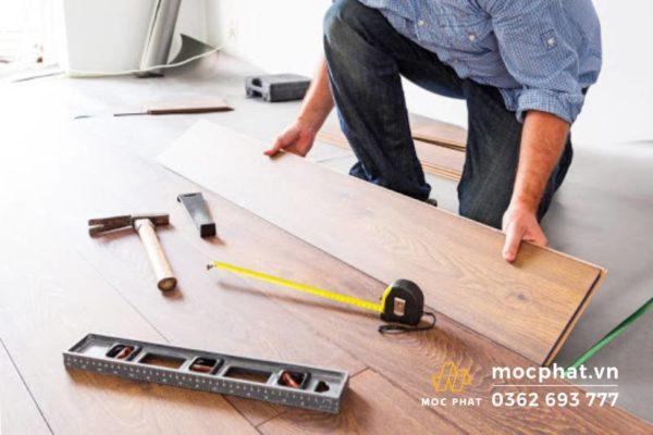 Chuẩn bị đầy đủ dụng cụ thi công sàn gỗ