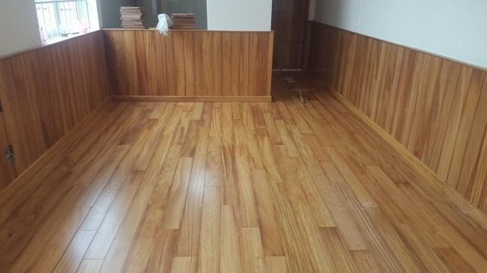 ốp gỗ chân tường