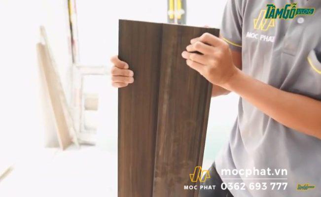 Hình 6 – Ghép 2 tấm gỗ nhựa lại với nhau như hình