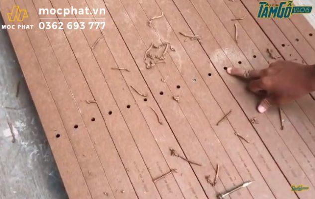 Hình 3- Lưu ý lúc bắn căn sao cho các lỗ khoan thẳng hàng