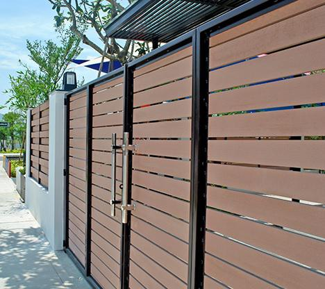 Cửa cổng gỗ nhựa