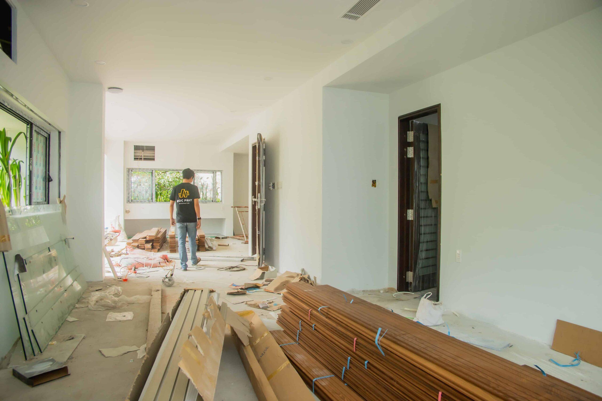 Sàn gỗ tự nhiên cần có thời gian để thích nghi với khí hậu của căn phòng