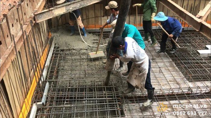 Đổ bê tông bằng bơm cần giúp tiết kiệm sức lực của công nhân