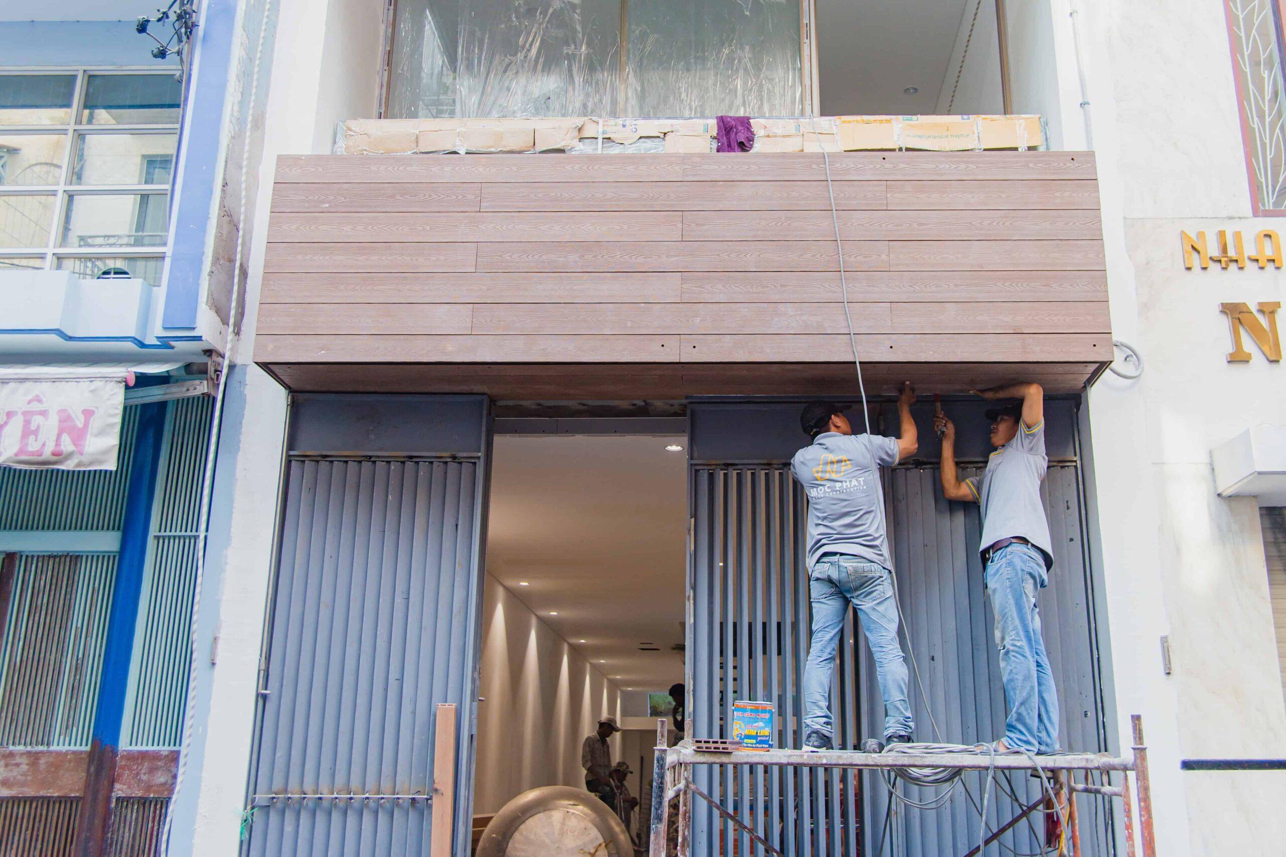 Ốp mặt tiền gỗ nhựa Composite công trình Nguyễn Trãi, Quận 5