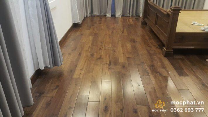 Sàn gỗ óc chó dễ dàng kết hợp với các không gian nội thất hiện đại hoặc truyền thống