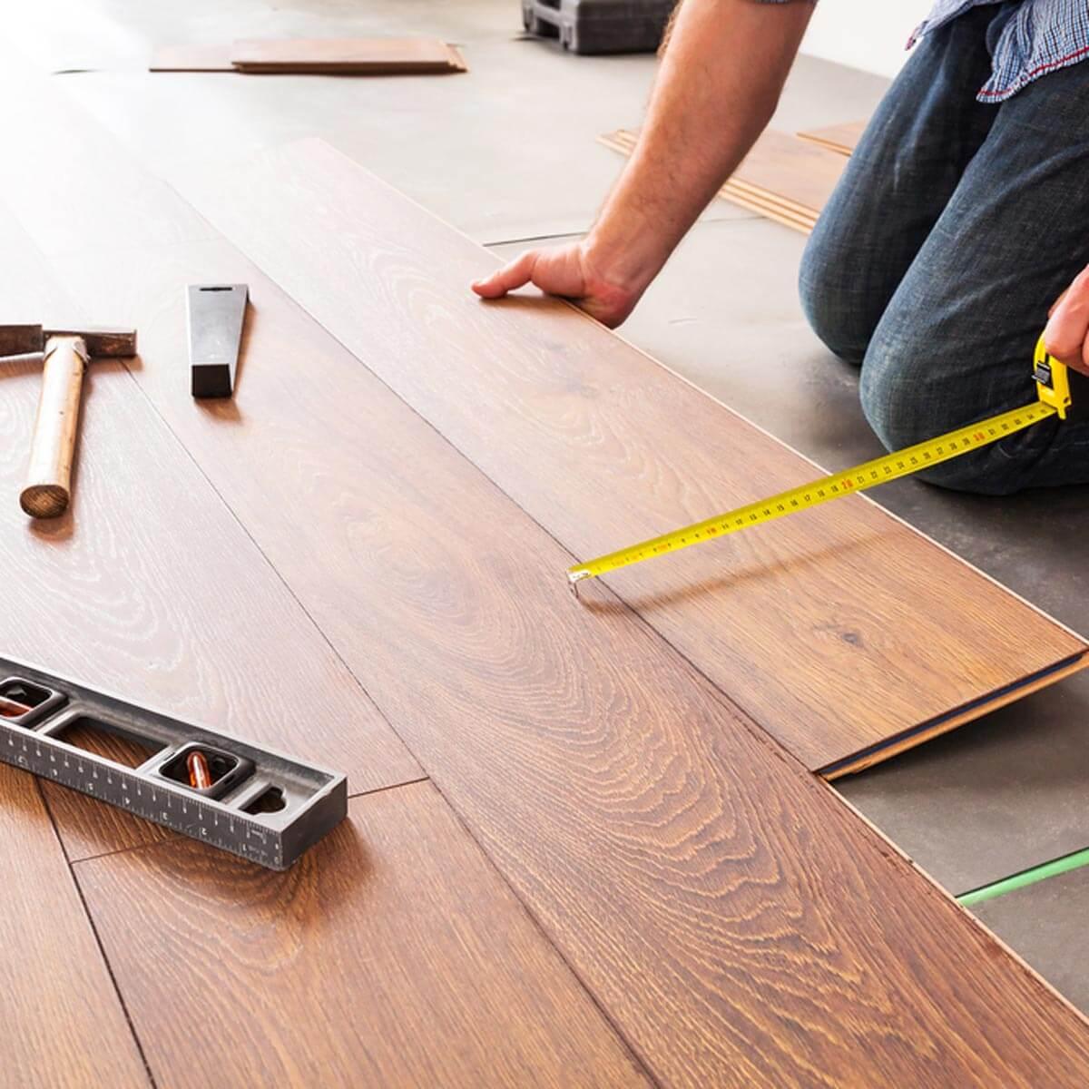 Một số công cụ cần dùng khi thi công sàn gỗ tự nhiên