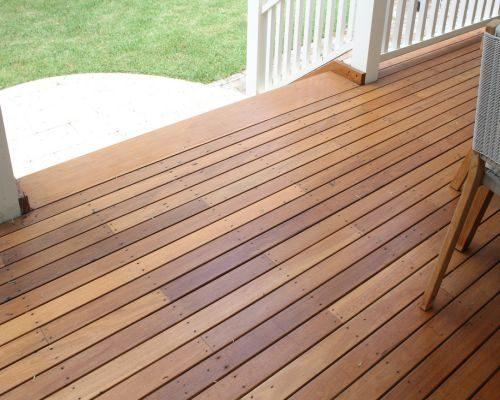 Chăm sóc sàn gỗ ngoại thất