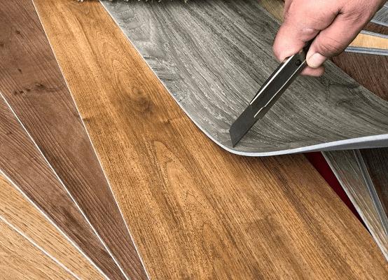 Tiến hành công đoạn lắp đặt sàn gỗ