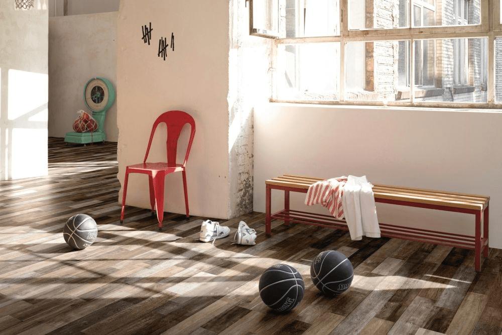 Sàn gỗ kỹ thuật có độ bền cao, phù hợp lắp đặt cho nhà bếp
