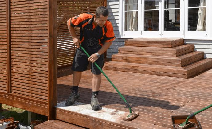 Hãy chọn một cây lau nhà phù hợp cho sàn gỗ của mình