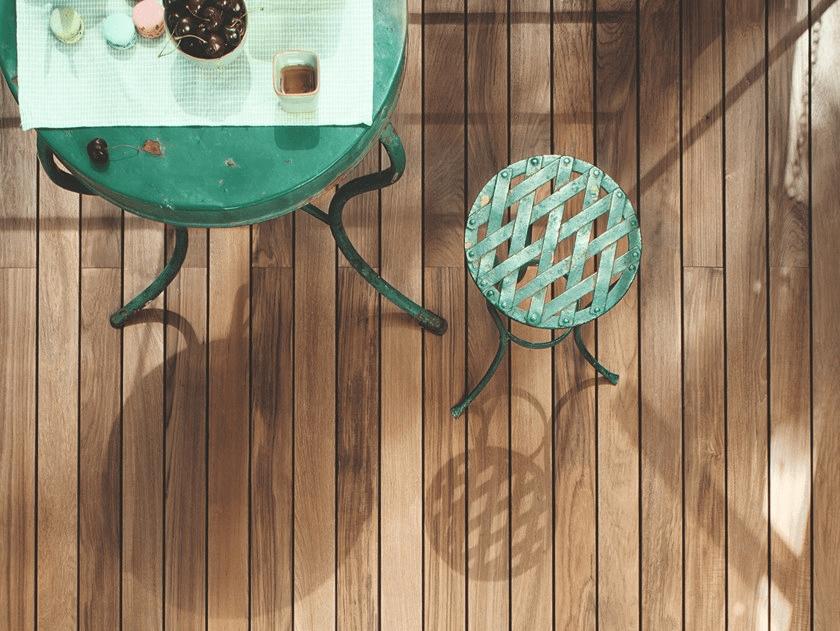 Cần sự trợ giúp của chuyên gia để lắp đặt sàn gỗ Teak