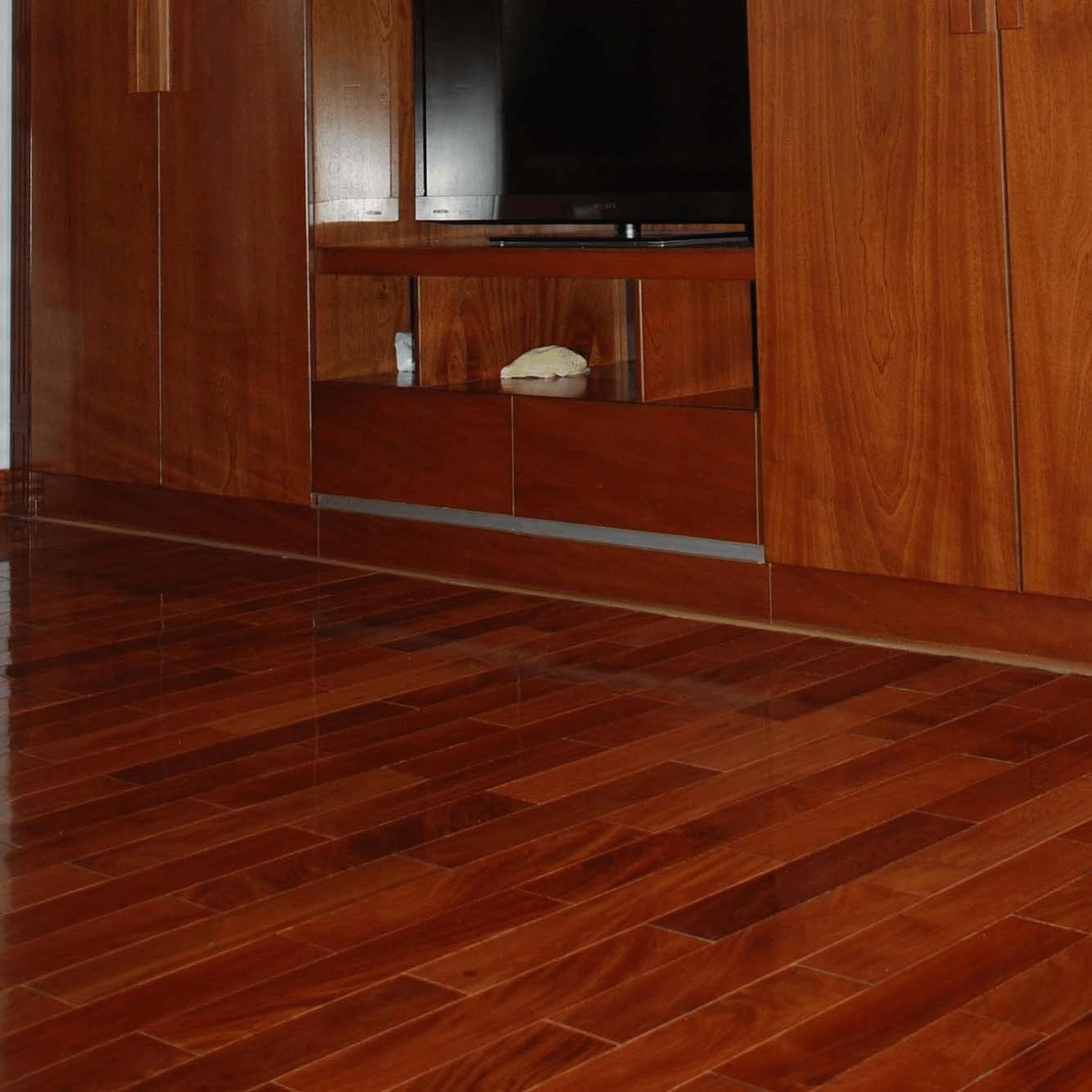 Sàn gỗ căm xe tự nhiên