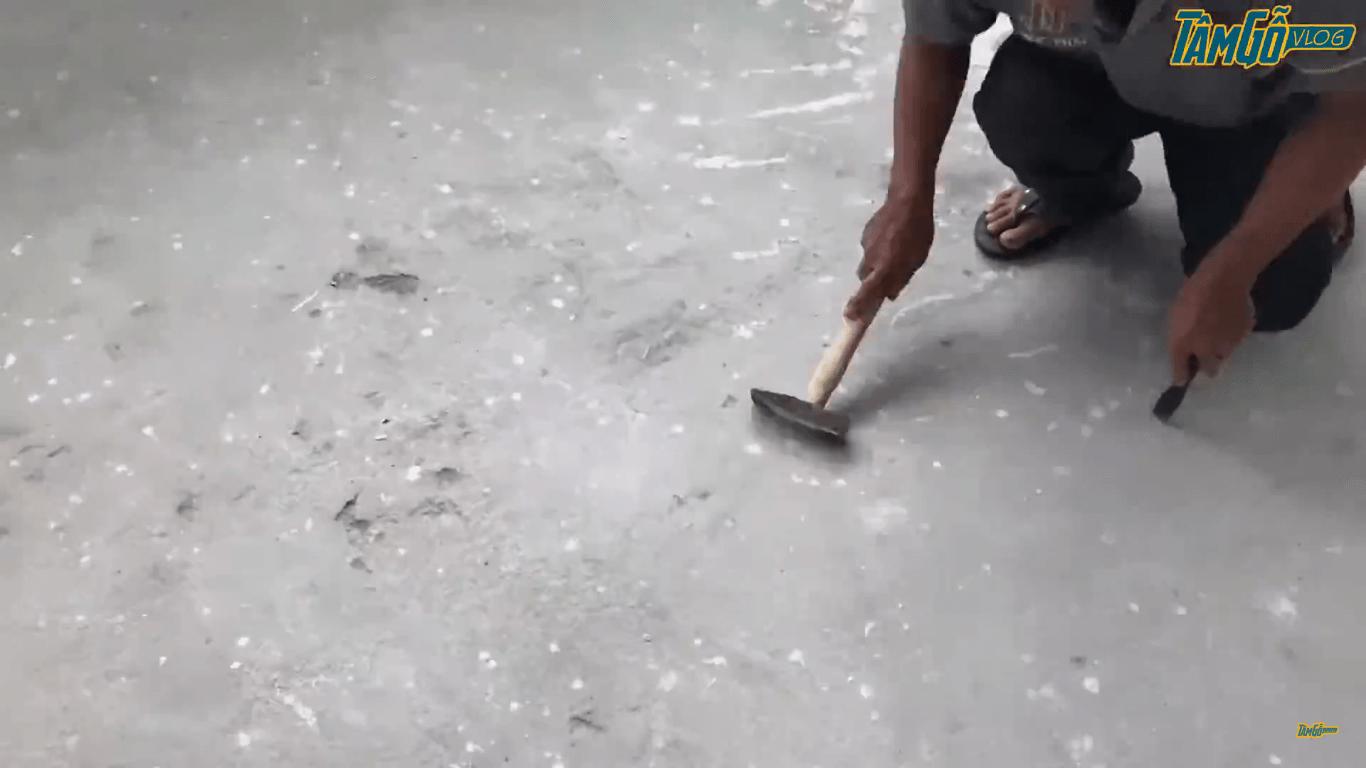 vệ sinh và làm phẳng bề mặt sàn